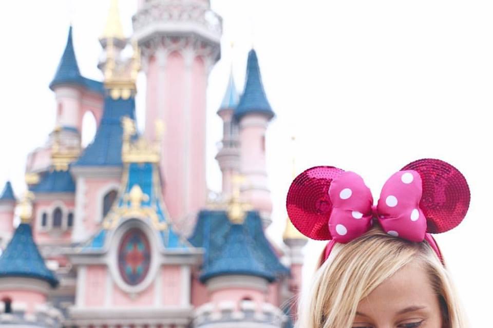 disneyland-paris-disney-castle-minnie-mouse-ears-vacation-trip-reiseblogger-blogger