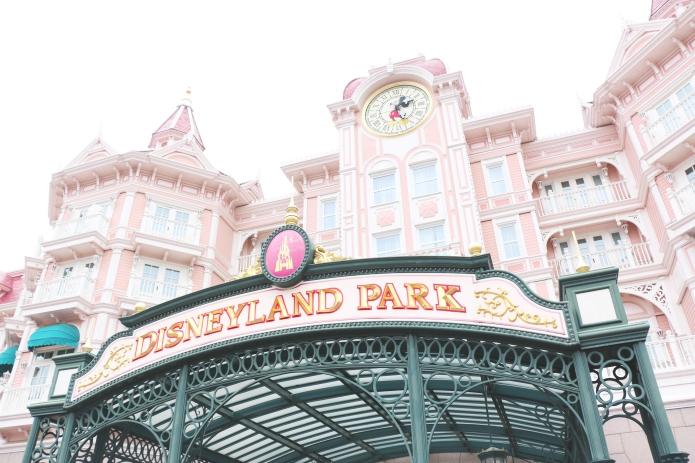 disneyland-paris-disney-hotel-disneyland-park