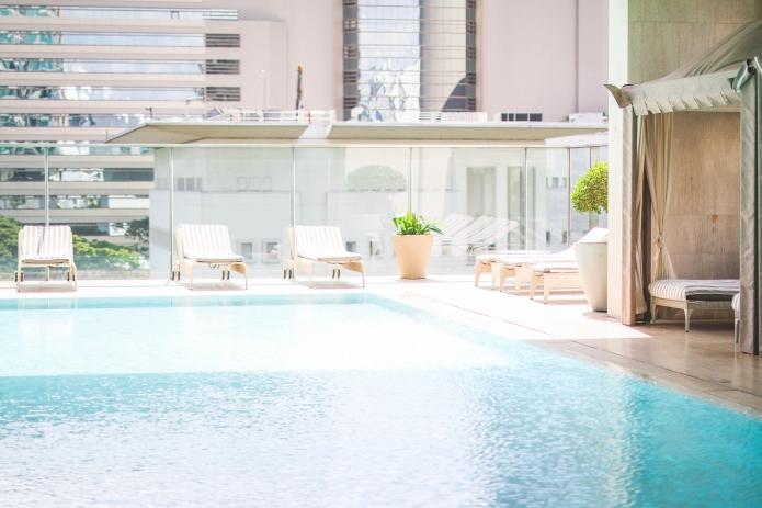 oriental-residence-bangkok-pool7