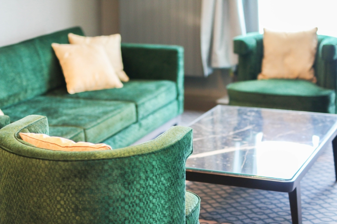 hilton-vienna-plaza-corner-suite