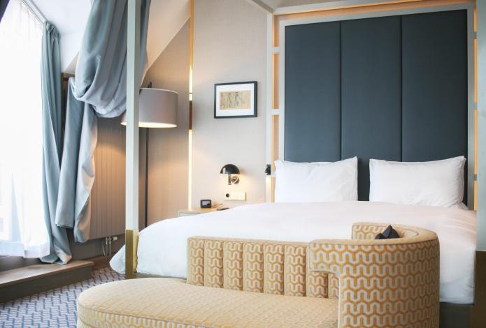 hilton-vienna-plaza-penthouse-corner-suite2