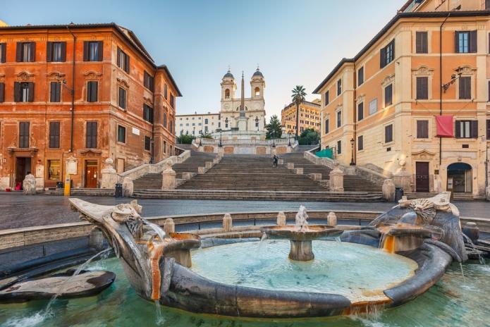 rome-brunnen-treppe