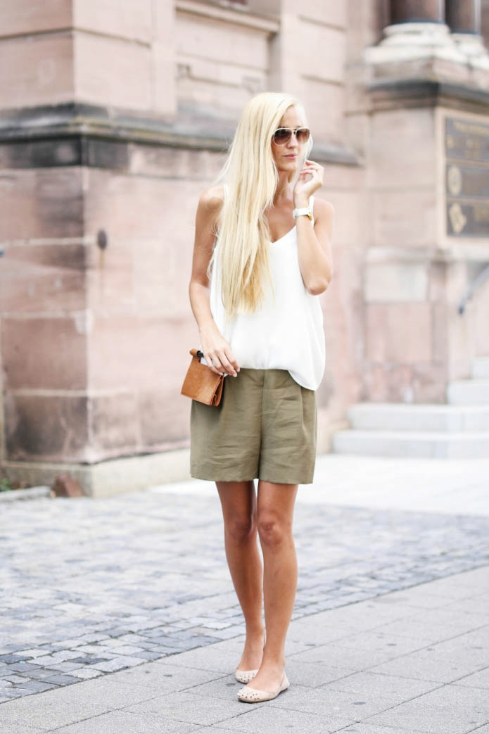 outfit-safari-shorts-khaki
