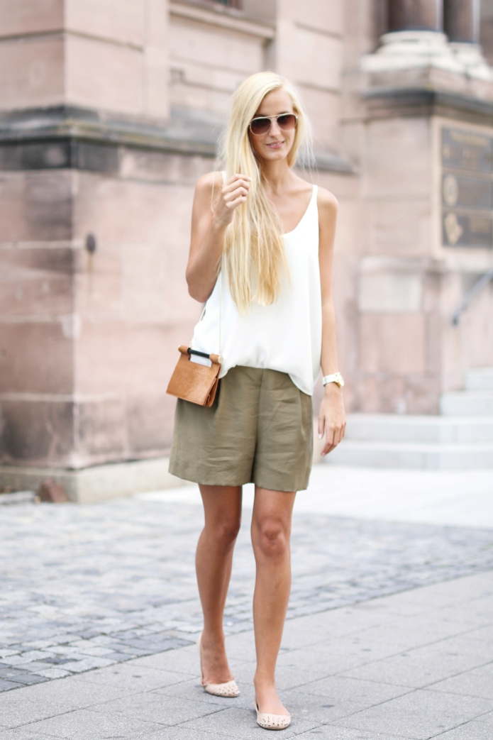 outfit-safari-shorts-khaki3