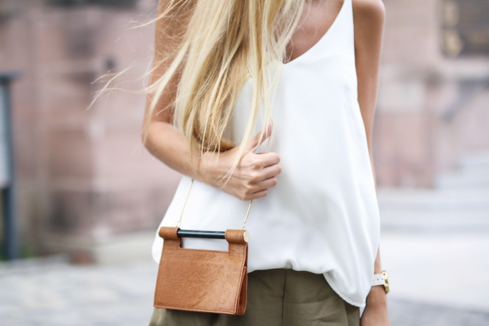 outfit-safari-shorts-khaki5