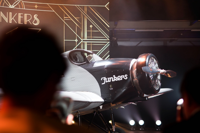 event-zurich-rimowa-jukers-f13-airfield