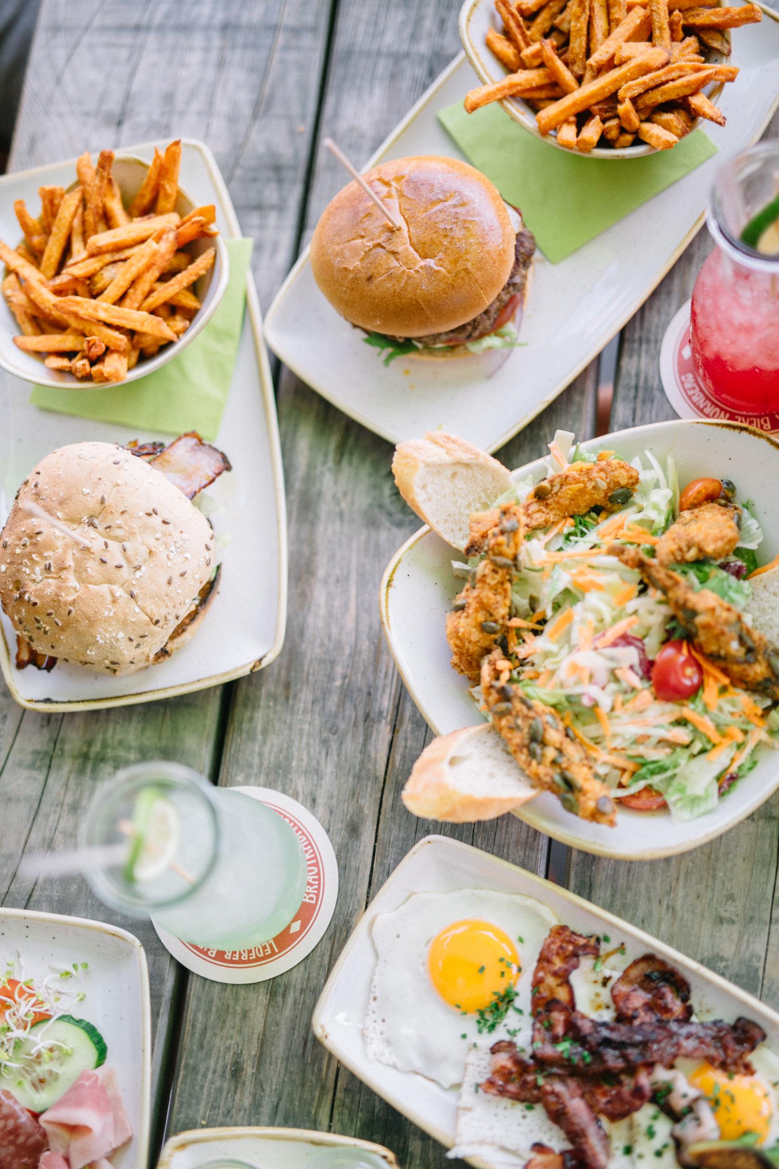 five diner n rnberg fr hst ck burger leckere salate. Black Bedroom Furniture Sets. Home Design Ideas