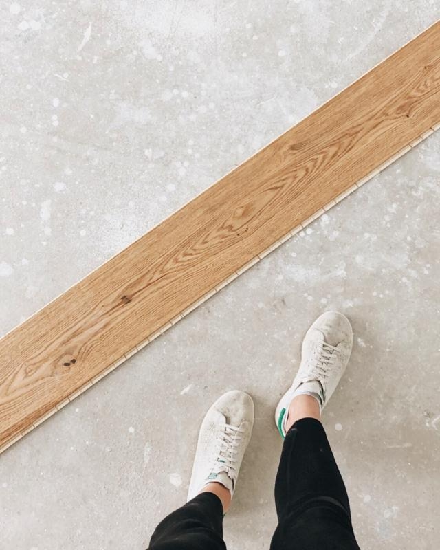 • Werbung // Yay!! Ich bin fertig mit kehren und saugen. Das ganze Haus ist staubfrei und bereit für unseren @weitzerparkett ✨🧡💛✨ In zwei Tagen ist es soweit und die Verlegearbeiten beginnen! Ohgott ich freu' mich so sehr und kann es kaum erwarten. #fußboden #parkettboden #weitzerparkett  .  #hausbau #hausbau2020 #bauherren2020 #häuslebauer #hausbauösterreich #rohbau #eigenheim #massivhaus #homesweethome #wirbauen #bautagebuch #baublog #baustelle #wirbsueneinhaus #atrium #atriumhaus #hausdesign #homelove #architecture #bauherren2020 #newhome #neubau