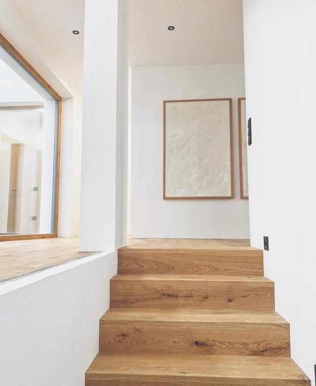 0 Grad aber immerhin Sonnenschein 🔆 #homesweethome #neubau #parkettboden #scandinavianhome #artwork #atrium